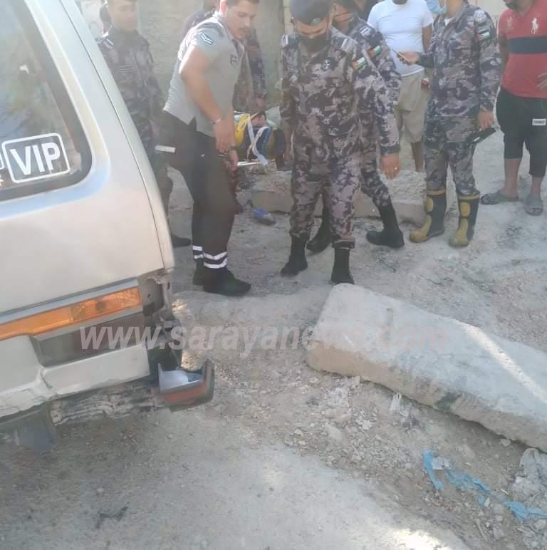 بالصور ..  (4) إصابات إثر حادث تصادم في الشونه الشمالية
