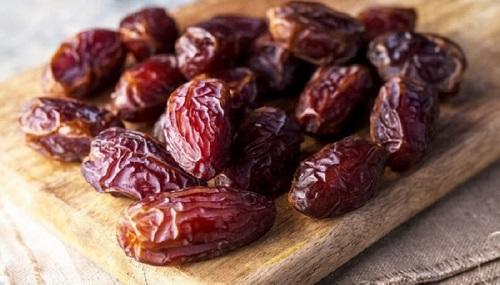 مع رمضان ..  فوائد التمر المتعددة وأضراره