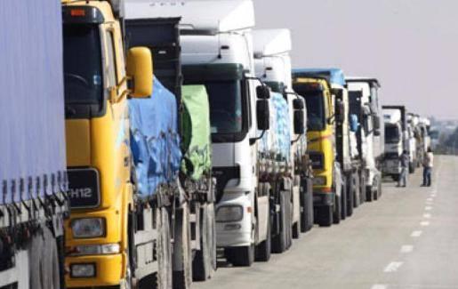 نقابة أصحاب الشاحنات تناشد وزارة النقل برفع الاجور
