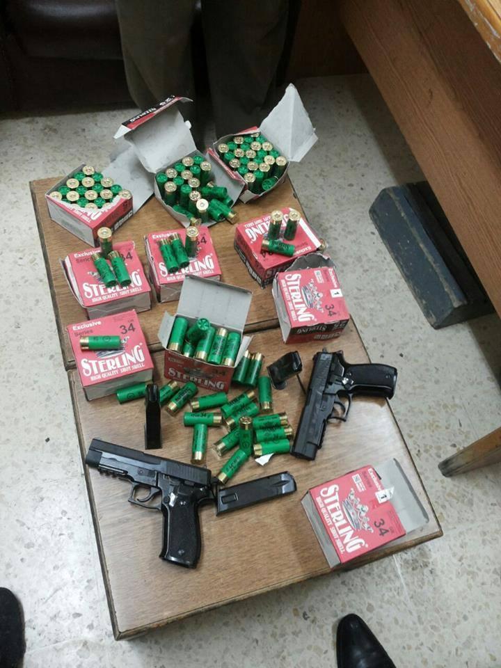 أسلحة ضبطت في إربد استخدمت بمشاجرتين وإطلاق نار على محال تجاري