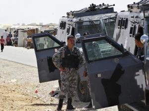 المفرق : إصابة (4) دركيين بعيارات نارية بإطلاق نار على حافلة تقلهم في الباعج