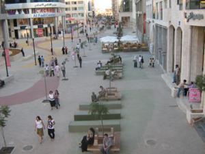 عارضات لبنانيات يتسببن في أزمة خانقة في الصويفية .. والسبب !!