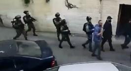 بالفيديو: شاهد كيف اعتقلت القوات الإسرائيلية محافظ القدس
