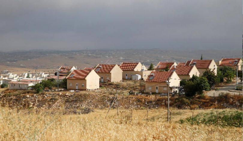 محكمة الاحتلال ترفض إخلاء بؤرة استيطانية على أراض فلسطينية