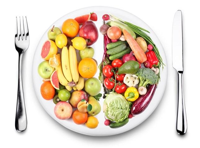 سلطة الفواكه بالخيار والنعناع  .. تغذيه وحماية وتجميل في طبق واحد