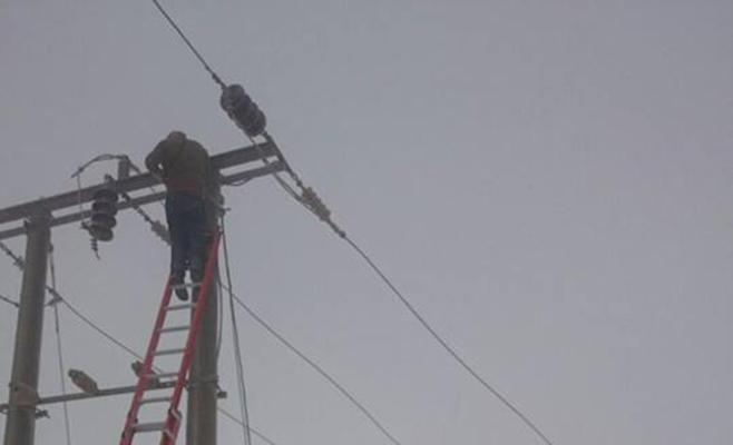 الطفيلة: انقطاعات في الكهرباء وإنقاذ 8 وافدين