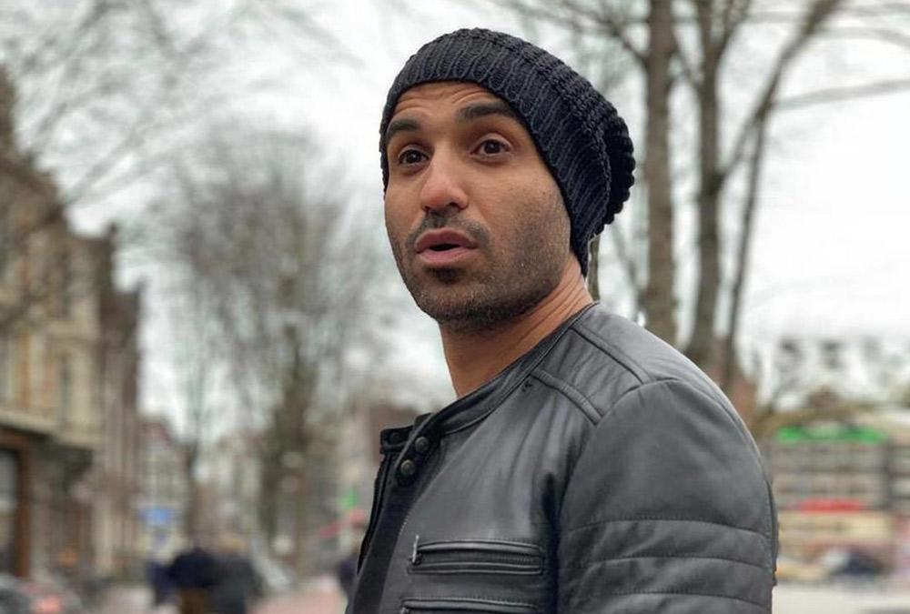 أول ظهور لـ أحمد فهمي بعد خضوعه لعملية جراحية ..  وصدمة لجمهوره بسبب ملابسه