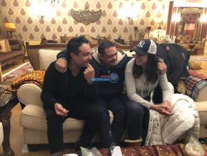 """شاهد صورة نادر لـ""""ياسمين عبد العزيز برفقة شقيقيها"""""""
