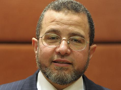 رئيس الوزراء المصري ينصح النساء بتنظيف الصدر قبل الرضاعة