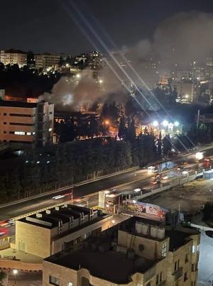 حريق كبير في احد مباني  الجامعة الأردنية  .. صور