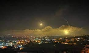 الجيش الإسرائيلي يستهدف مواقع لحزب الله في منطقة مرج عيون جنوبي لبنان