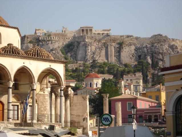 بالصور : استمتع بجولة مميزة في حي بلاكا اثينا اليونان