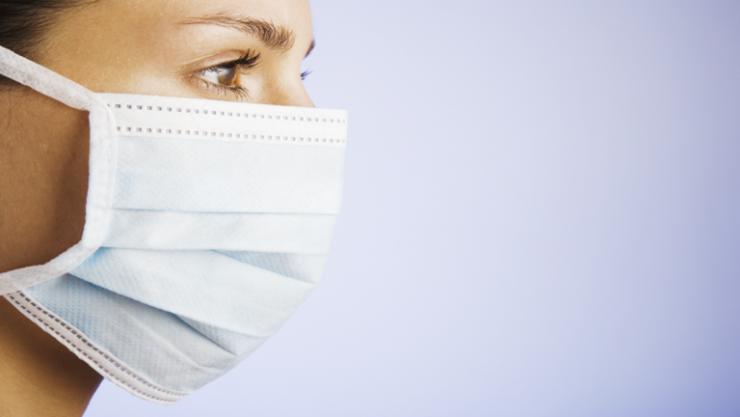 علماء يختبرون 14 نوعا من أقنعة الوجه ويحددون أفضلها