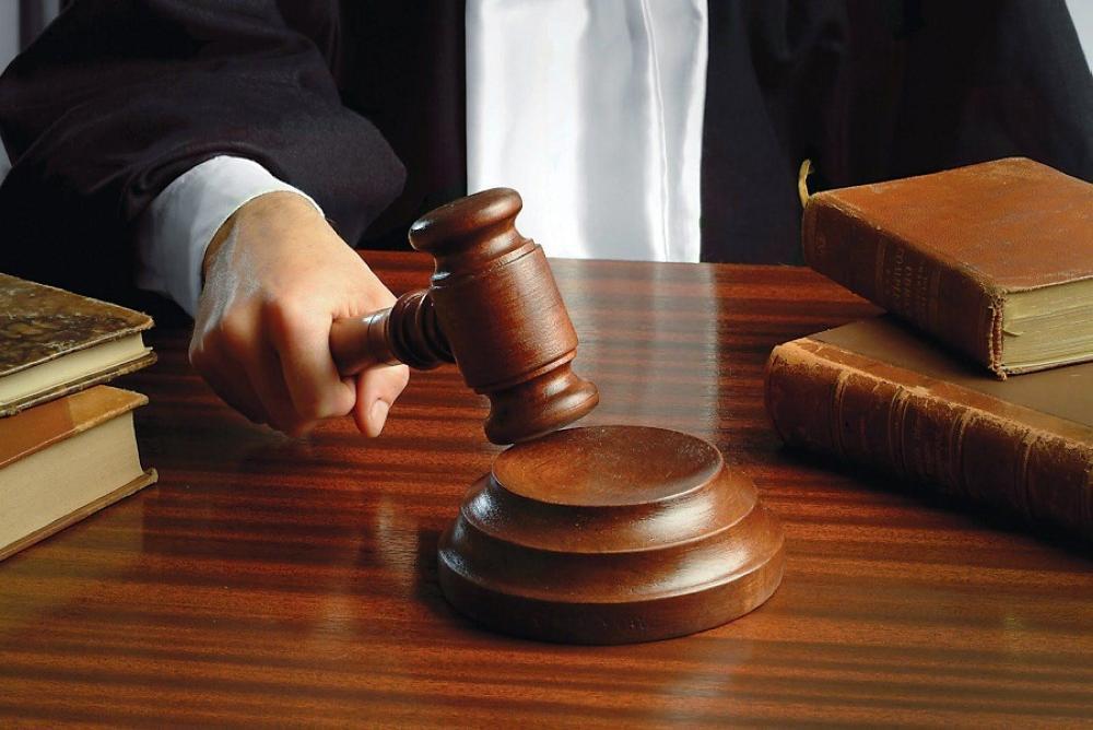 """3 مسؤولين أمام المحكمة بينهم أحد مديري هيئة مستقلة  .. """"تفاصيل"""""""
