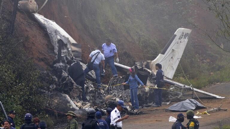 تحطم طائرة خفيفة وعلى متنها 4 أشخاص في مطار بولاية كاليفورنيا الأمريكية