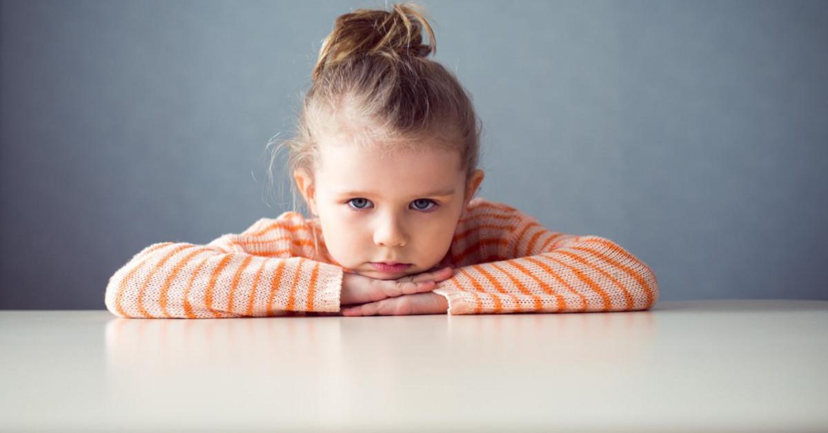 ابنتي الصغيرة لا تتقبل الروضة، فما الحل؟