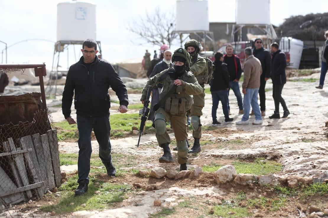 مستوطنون وقوات الاحتلال يواصلون اعتداءاتهم في الضفة والقدس