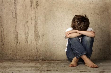أطفال التوحد يعانون من ارتفاع تكلفة رعايتهم وعلاجهم