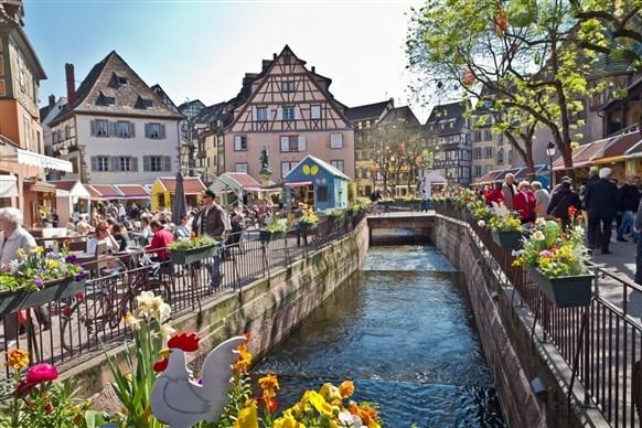 مدينة كولمار الفرنسية تنتظركِ لامضاء أروع عطلة!