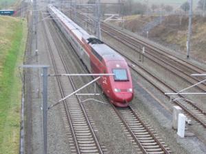 أسرع عشرة قطارات في العالم