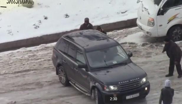 بالفيديو  .. لقطات لحوادث و انزلاقات خطيرة خلال عاصفة هدى