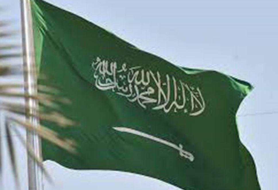 السعودية تمدد تأشيرات الزيارة لمن هم خارجها