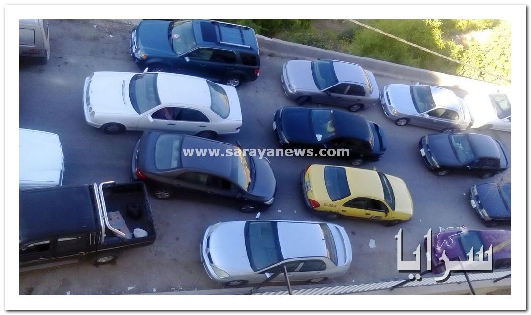 بالصور.. السلط : الاحوال المدنية تتسبب بأزمة خانقة و مطالب بنقلها الى منطقة اقل ازدحاماً
