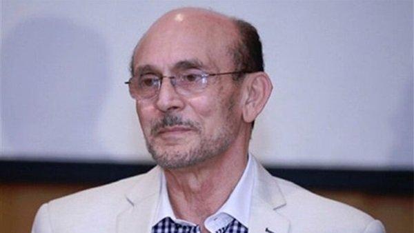 بالفيديو و الصور  ..  محمد صبحي يبكي بحرقة على وفاة هادي الجيار و يصفه بكلمات مؤثرة