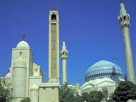 العودة للمساجد و الكنائس بين اللهفة لأداء الفريضة و الشعور بالمسؤولية