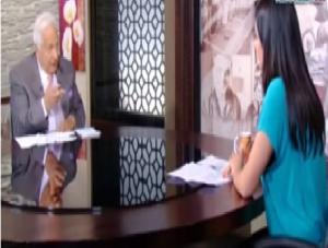 """بالفيديو.. طبيب نفسي لـ""""مذيعة مصرية"""": """"لو حد حاول يغتصبك ابتسمي له"""""""
