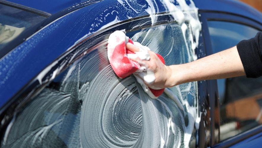 طريقة العناية بالسيارة بشكل صحيح وكم مرة يجب غسلها سنويا