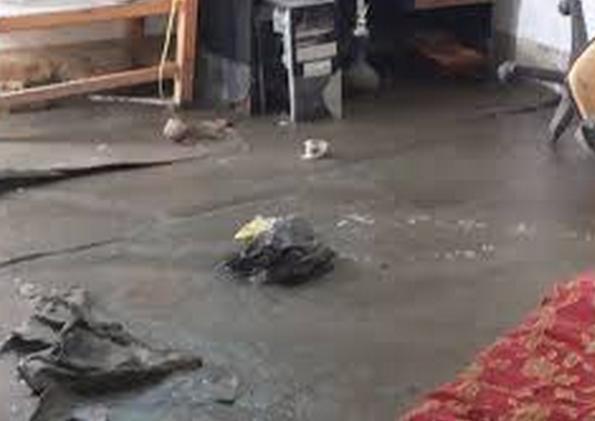 مواطن يستغيث بعد مداهمة مياه الصرف الصحي لمنزله في الجيزة .. وشركة مياهنا لا تجيب