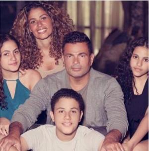 صورة نادرة لزوجة عمرو دياب.. وهذا ما قالته ابنته