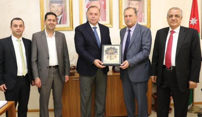 """اتفاقية تعاون بين """"عمان العربية"""" و""""فلسطين الاهلية"""" لتعزيز التعاون الاكاديمي والبحثي"""