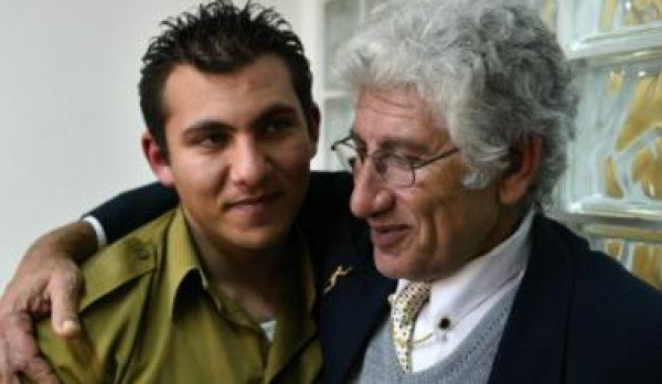 """""""اسرائيل"""" تمنح فلسطيني جنسيتها  بعد ان خدم ابنه في جيشها"""