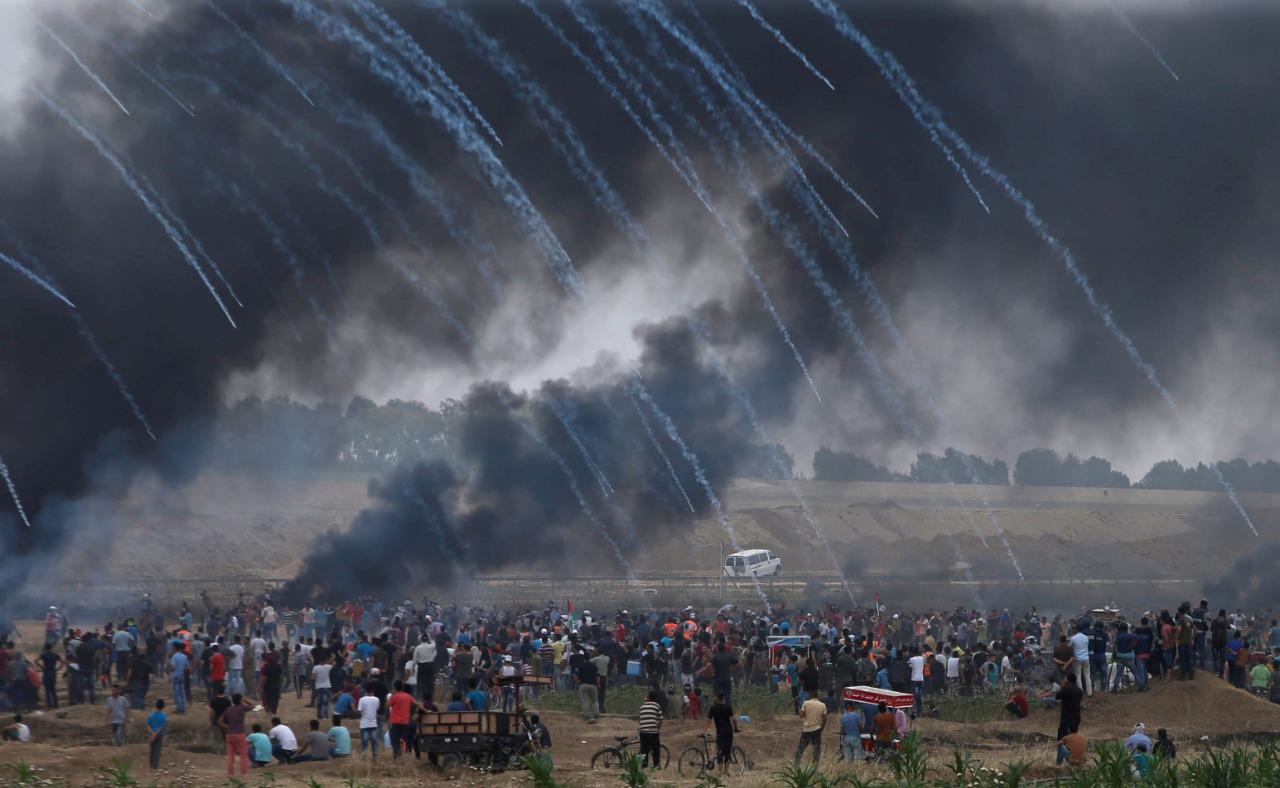 """غزاويون يشاركون بـ جمعة """"انتفاضة القدس"""""""