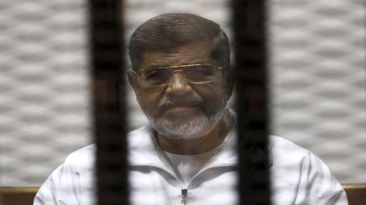 """الغاء حكم السجن المؤبد الصادر بحق """"مرسي"""" في قضية التخابر مع حماس"""