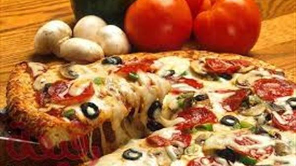 طريقة مذهلة لـ عمل البيتزا الإيطالية ..
