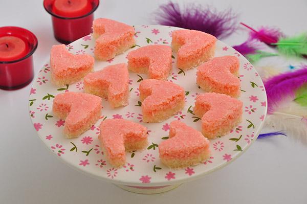 حلو جوز الهند الوردي