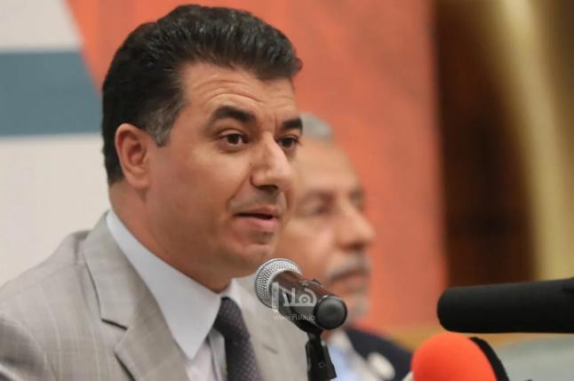 وزير الزراعة: الأزرق شهد الأربعاء أكبر تجمع للجراد بسبب حركة الرياح