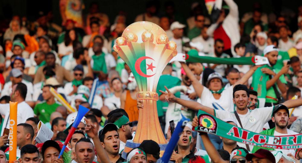 بالفيديو  ..  الجزائر تحرز هدفا ضد السنغال في الدقيقة الثانية من المباراة النهائية لكأس الأمم الإفريقية