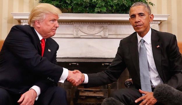 تقليد امريكي رئاسي قديم .. اوباما يترك رسالة لترامب على طاولة مكتبه في البيت الابيض
