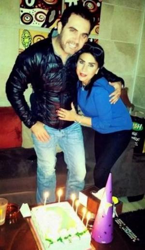 بالصور وائل جسار يحتفل بعيد ميلاد زوجته في تركيا