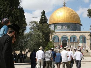 عضو كنيست إسرائيلي يحاول تدنيس مسجد قبة الصخرة