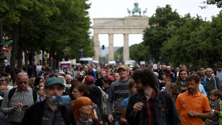 ألمانيا سترفع التحذير من السفر لـ31 دولة أوروبية إذا سمح وضع فيروس كورونا!