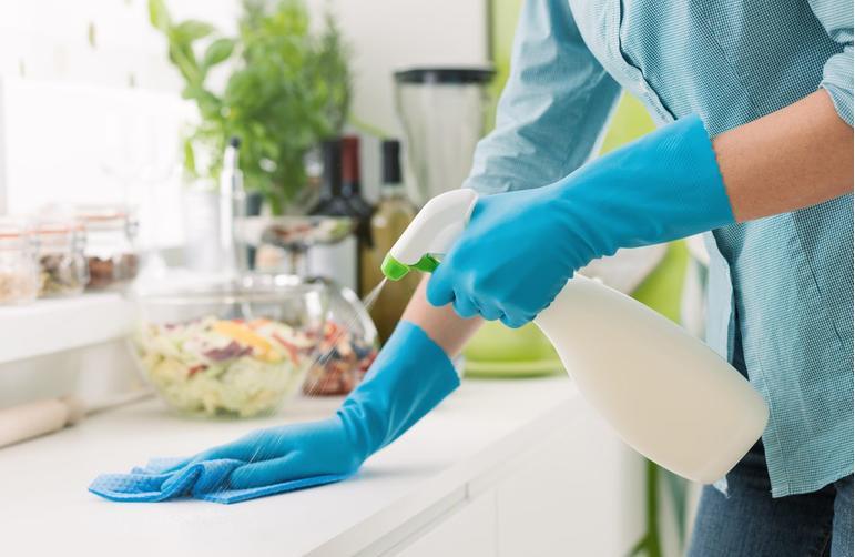 9 حيل لتنظيف مطبخك ستغير حياتك وتوفر وقتك