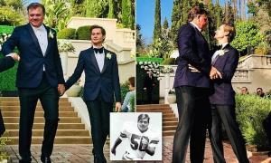 """بالصور  ..  لاعب كرة قدم خمسيني شهير يتزوج شاب صغير وزوجته واولاده يحضرون العرس  .. """"تفاصيل"""""""