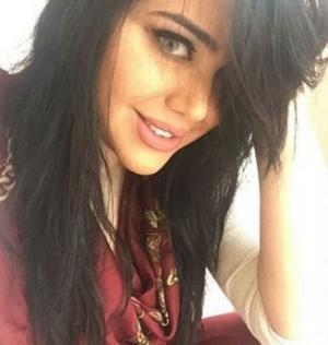 بالفيديو.. الممثلة السورية مروة تكشف عن تلقيها عروض زواج بالملايين في الامارات