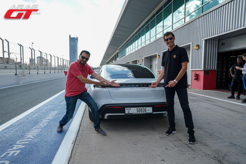بالفيديو  ..  بورش الكهربائية من دبي إلى الرياض مع بطل العالم