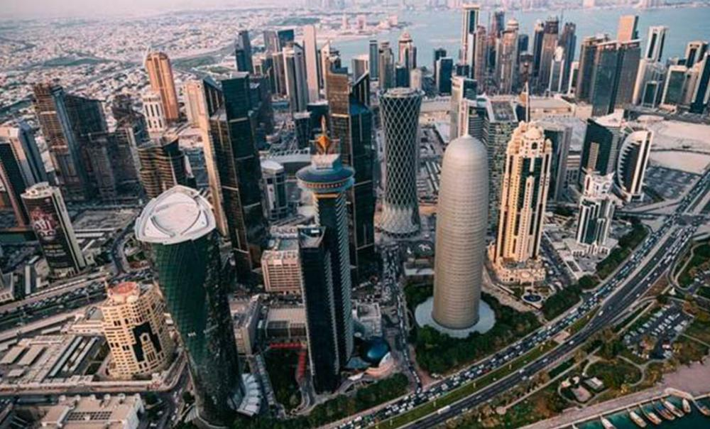 انخفاض عدد سكان قطر بنسبة 5.7 بالمئة